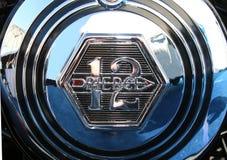 Klassiker-Chrome-Naben-Kappen-Ausweis Pierce Arrows 12 Stockfotos