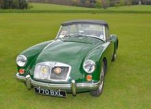Klassiker gröna MG en motorisk bil för sportar Fotografering för Bildbyråer