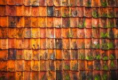 Klassiker verwitterte Dachplatten als Hintergrund Stockbilder