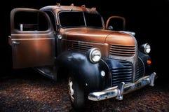 Klassikern åker lastbil Royaltyfria Bilder
