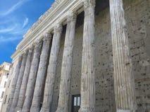 Klassische alte und getragene heraus Spalten an der Front des Pantheons Stockbild