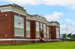 Klassische amerikanische Highschool Lizenzfreies Stockfoto
