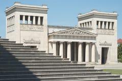 Klassische Architektur mit Jobstepps Stockfotos