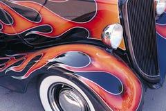 Klassische Auto-Flammen stockfotografie