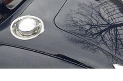 Klassische Auto-Kraftstoff-Schutzkappe stockfotos
