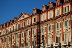 Klassische Gebäudefrontseite Stockbilder