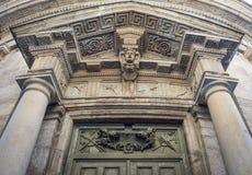Klassische Kirchen-Architektur, Mailand, Italien lizenzfreie stockfotografie