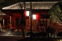 Klassische lange Korridor-Ruzi Pavillon-Parknacht Lizenzfreies Stockfoto