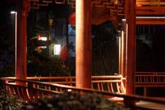 Klassische lange Korridor-Ruzi Pavillon-Parknacht Stockfotos