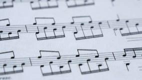 Klassische Musik-Anmerkungen über das Blatt stock video