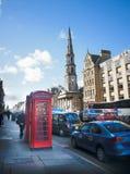 Klassische rote Kabine in Edinburgh Lizenzfreie Stockfotos