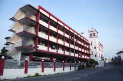 Klassische schöne Bürogebäude-Feuerwache für Reisendkraft Stockfoto