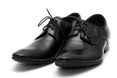 Klassische Schuhe der schwarzen Männer Stockbilder