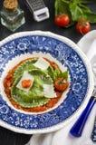 Klassische selbst gemachte italienische Ravioli, Tortellini Lizenzfreies Stockbild