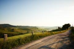 Klassische toskanische Sonnenuntergangzeit der Ansichten im Frühjahr Stockfotos