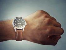 Klassische Uhr-Lebensstil-Atelieraufnahme Stockbild