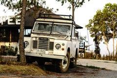 Klassische Weinlese 4x4 SUV Land Rover Lizenzfreies Stockfoto