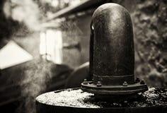 Klassische Whisky-Brennerei lizenzfreies stockfoto