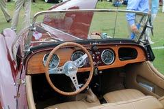 Klassischer britischer Sportautoinnenraum Stockfotos