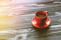 Klassischer doppelter Espresso auf hölzerner Tabelle Lizenzfreies Stockfoto