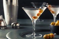 Klassischer gerüttelter trockener Wodka Martini stockfotografie