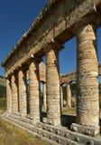 Klassischer griechischer (Doric) Tempel bei Segesta, Sizilien Lizenzfreie Stockfotografie