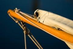 Klassischer hölzerner Segelbootbugspriet Stockfotos