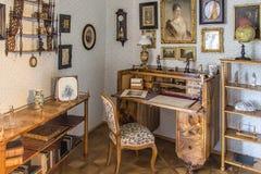 Klassischer Innenraum in Biedermeier-Art Stockfotos