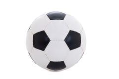 Klassischer lederner Schwarzweiss-Fußball lokalisiert auf Weiß Lizenzfreies Stockbild