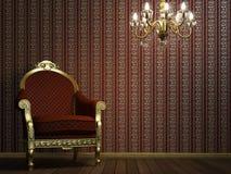Klassischer Lehnsessel mit Lampe und goldenen Sonderkommandos Stockbilder