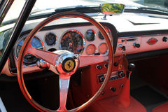 Klassischer Luxus-Ferrari-Innenraum Lizenzfreies Stockfoto