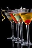 Klassischer Martini - die meiste populäre Cocktailserie Lizenzfreie Stockfotos