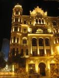 Klassischer Schuss der aus alter Zeit Architektur von Baku, Aserbaidschan bis zum Nacht Stockbild