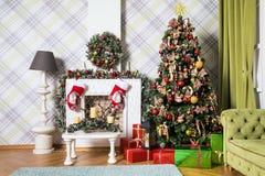 Klassischer weißes Weihnachtsinnenraumhintergrund Lizenzfreies Stockbild