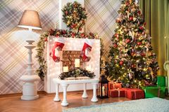 Klassischer weißes Weihnachtsinnenraumhintergrund Stockbilder