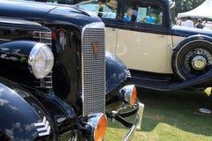 Klassisches amerikanisches Auto des Grills Lizenzfreie Stockfotos