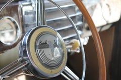 Klassisches amerikanisches Autoinnenraumdetail Lizenzfreie Stockfotos