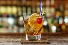 Klassisches, amerikanisches Cocktail, altmodisch lizenzfreie stockfotografie