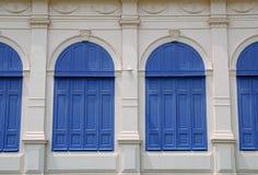 Klassisches blaues Fenster Stockbild
