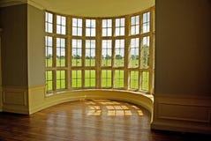Klassisches Bogenfenster Stockfotografie