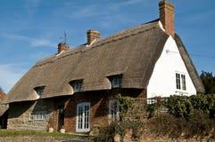 Klassisches britisches landwirtschaftliches Haus Stockbild