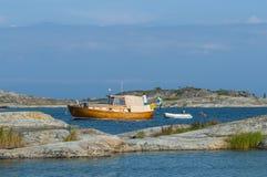 Klassisches hölzernes Motorboot Stora-nassa Stockholm-Archipel Lizenzfreie Stockfotografie
