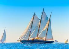 Klassisches hölzernes Segelboot Lizenzfreie Stockfotografie