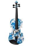 Klassisches Musikinstrumentviolinenweiß mit dem blauen Muster lokalisiert auf weißem Hintergrund Stockfotos