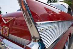 Klassisches Muskel-Auto von der Mitte des Jahrhunderts stockbild