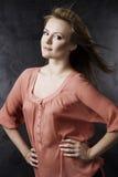 Klassisches Portrait auf Dunkelheit Lizenzfreie Stockfotografie