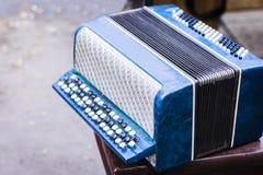 Klassisches Retro- bayan Akkordeon, Musikinstrumentweinlese lizenzfreie stockfotos