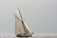 Klassisches Segelnboot Stockfotos