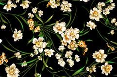 Klassisches Tapetenweinlese-Blumenmuster auf purpurrotem Hintergrund Stockfoto