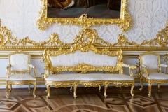 Klassisches Wohnzimmer in einer Zeitraumvilla Stockfotografie
